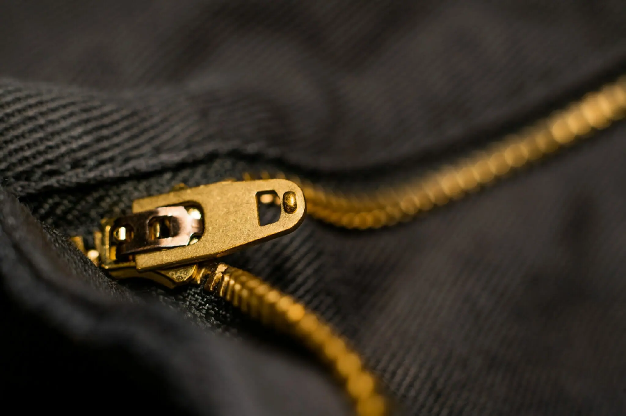 Tips to Lubricate All Types of Stuck Zippers